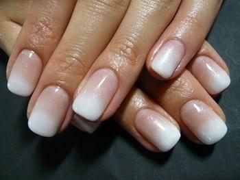 Decorazione-unghie-da-sposa-sfumate